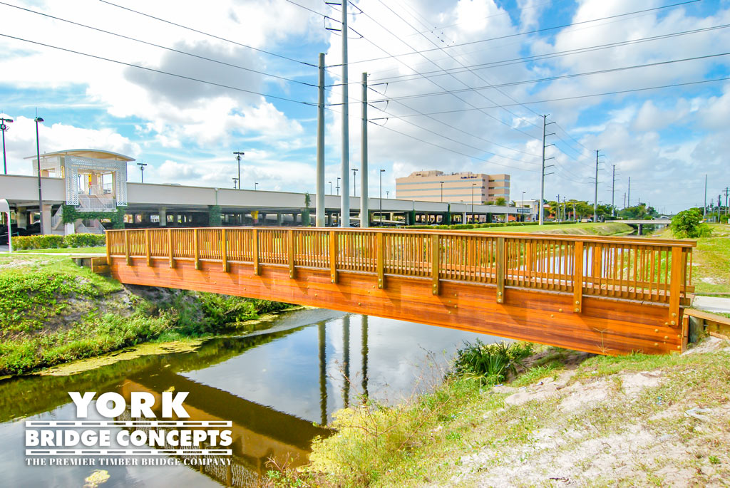 Town Center at Boca Raton Free Span Pedestrian Bridge | York Bridge Concepts