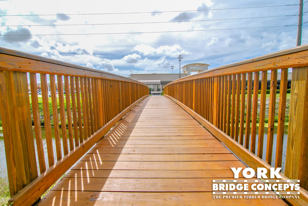Town Center at Boca Raton Free Span Pedestrian Bridge | York Bridge Concepts