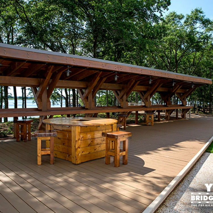 River Lights Outdoor Bar